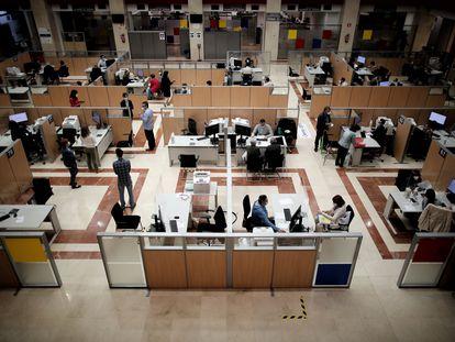 Vista general de una oficina de la Agencia Tributaria en Madrid, en junio de 2020.