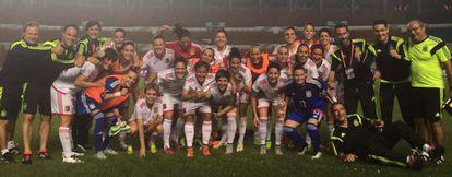 España celebra su victoria frente a China, en Chenzhou.
