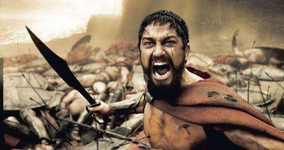 Fotograma de la película 'Los 300' con Leónidas empuñando la espada.