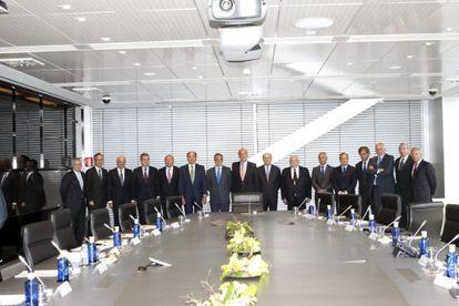 El Rey junto a los miembros del Consejo Empresarial para la Competitividad, constituido por representantes de las principales compañías de España.