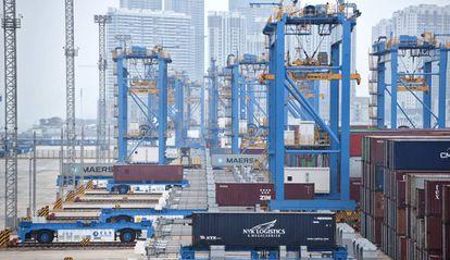 La terminal de contenedores de Qianwan, en el puerto de Qingdao.