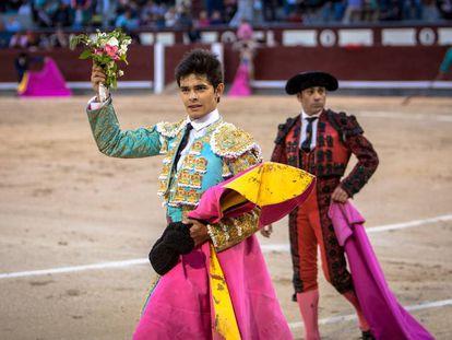Juanito dio la vueta al ruedo en Las Ventas.