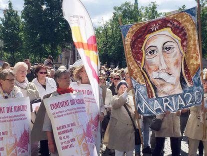 Vigilia contra el machismo en la iglesia en Alemania, el pasado mes de mayo.