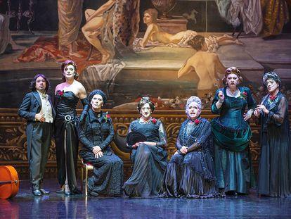 Presentación de 'Orquesta de señoritas', en el Teatro Oriente de Santiago de Chile.
