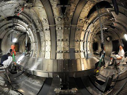 Una instalación experimental de plasmas para fusión nuclear en Cadarache, Francia, sede del proyecto ITER