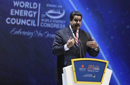 El presidente de Venezuela, Nicolás Maduro, ofrece un discurso durante la 23 edición del Congreso Mundial de la Energía en Estambul.