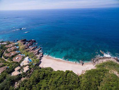 Vista aérea de Punta Mita, una península privada con dos hoteles de lujo y un complejo de villas solo accesibles para el 1% de entre los ricos.
