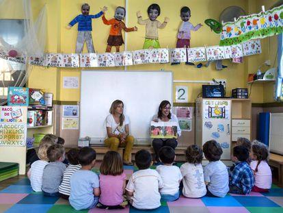 Clase de niños de dos años en el colegio Federico Lorca de Valencia
