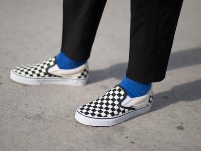 Da un toque diferente a tu look y calzado con estos calcetines llenos de estilo, color y diseños originales. GETTY IMAGES.