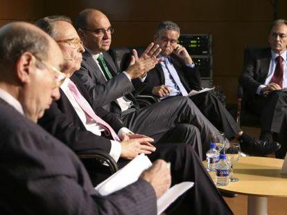 Los cinco dirigentes del campus de Alicante critican los recortes en educación y en becas