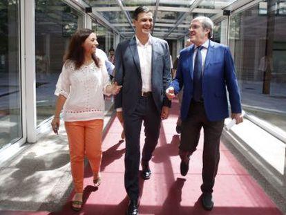 Reunion del Grupo Socialista en la Asamblea de Madrid el 29 de julio, con Pedro Sánchez, Angel Gabilondo y Sara Hernández.