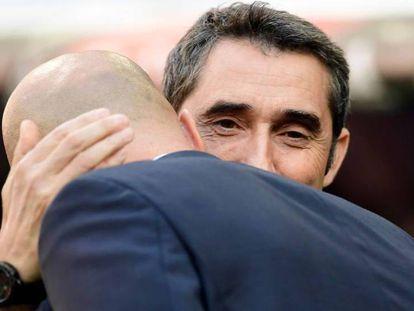 FOTO: Valverde se abraza con Zidane antes del partido. / VÍDEO: Declaraciones de Valverde tras el partido.