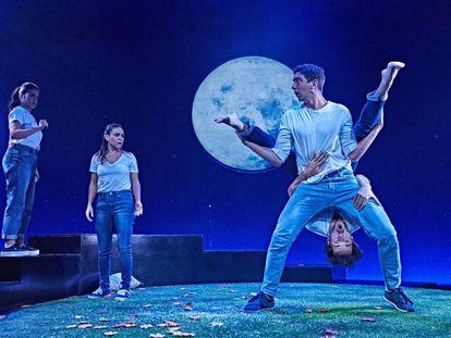 Imagen de 'Sueño de una noche de verano', dirigida por Bárbara Lluch.