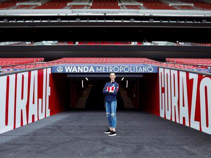 Virginia Torrecilla en el estadio Wanda Metropolitano tras la renovación con el Atlético de Madrid.