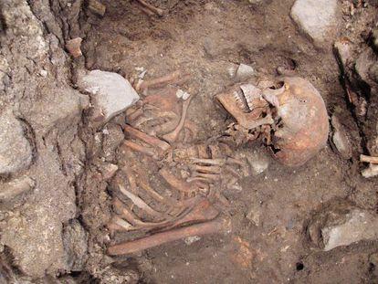 Detalle del 'individuo 57', uno de los 120 cadáveres localizados.