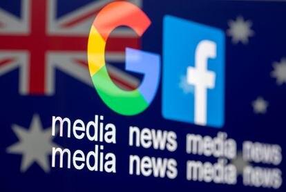 Los logos de Google y Facebook sobre la bandera de Australia.
