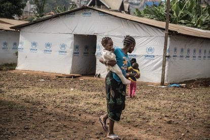 Un campo de refugiados de ACNUR. Cerca de 416.000 personas abandonaron sus hogares temporalmente debido a la actividad volcánica de los últimos días.