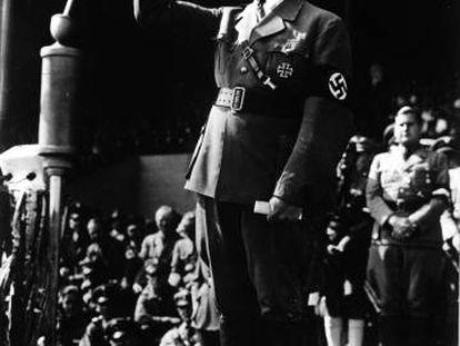 Adolf Hitler, durante una arenga en 1930.