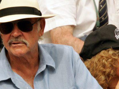 Connery y su esposa Micheline en un partido de Roland Garros, en París.