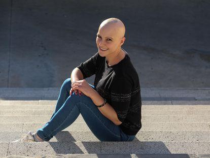 Celia Rodríguez, joven mostoleña afectada por alopecia.