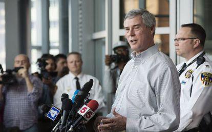 El fiscal de San Luis Robert McCulloch al anunciar el arresto en Ferguson