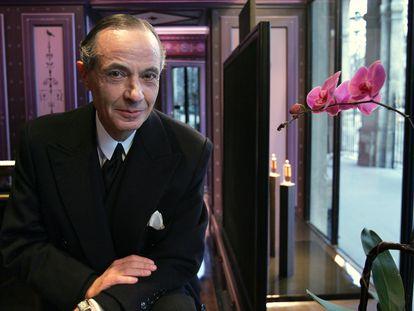 El creador de perfumes Serge Lutens en París en 2007, en una de las escasas imágenes que existen de él.