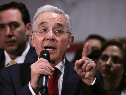 El expresidente Álvaro Uribe luego de una audiencia en la Corte Suprema de Justicia, en octubre de 2019.
