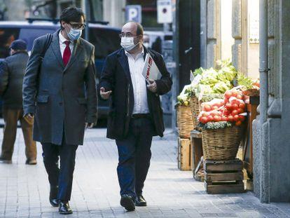 Salvador Illa y Miquel Iceta, a su llegada este miércoles a la sede del PSC en Barcelona.