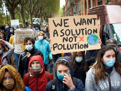 Protesta ecologista por las calles de Toulouse, en septimebre.
