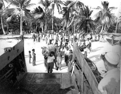 Las islas de los atolones Bikini y Enewetak fueron evacuadas en los años 40 del siglo pasado. La mayoría siguen aún deshabitadas.