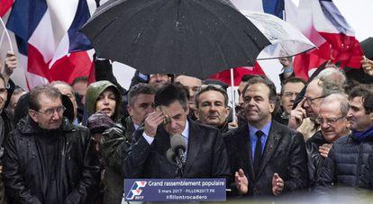 El candidato conservador François Fillon durante el discurso del domingo en la plaza de Trocadero, en París