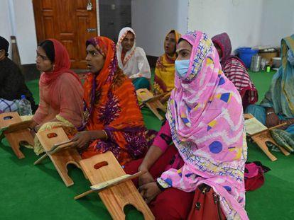 Nueva escuela coránica para personas transgénero en Dacca (Bangladesh).