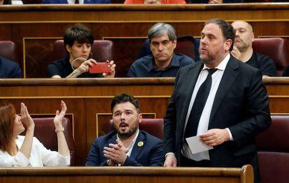 El líder de ERC, Oriol Junqueras, promete su cargo en el Congreso de los Diputados el pasado 21 de mayo.
