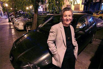 Pilar Moreno Gómez, en la calle de Valencia donde vive.