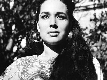 La cantante y actriz mexicana Flor Silvestre, en la película 'Ánimas Trujano' (1962).