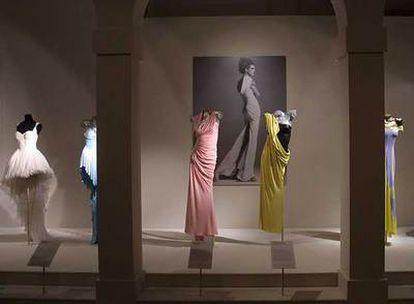 Diseños de Gianni Versace, en el Museo Victoria y Alberto de Londres.