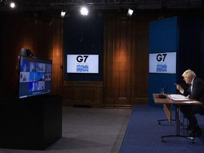 El primer ministro británico, Boris Johnson, preside la reunión virtual del G-7 sobre Afganistán, este martes.