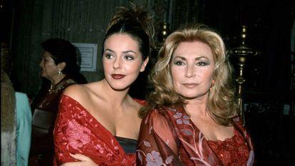 Rocío Jurado con su hija Rocío Carrasco en 1999.