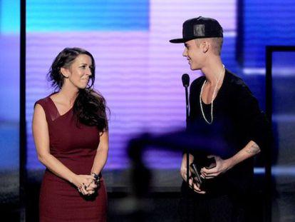 El cantante Justin Bieber junto a su madre Pattie Mallette.