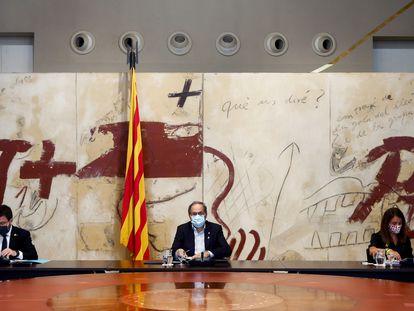 El president de la Generalitat, Quim Torra, en el centro, durante la reunión de Govern de este jueves.
