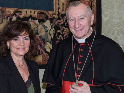 Carmen Calvo junto a Pietro Parolin.