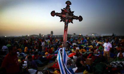 La práctica religiosa cae pese a los actos masivos de las visitas papales.