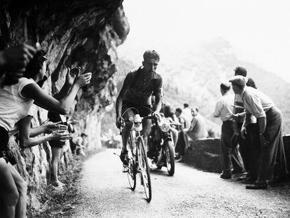 Bahamontes, en el Tour de 1954.