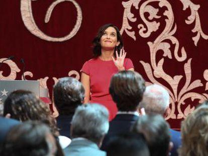 La nueva presidenta de la Comunidad designa para las consejerías a políticos que ya tuvieron responsabilidades con Aguirre y González