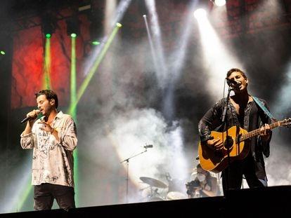 Los miembros del grupo Taburete durante el concierto del viernes en el festival Starlite de Marbella.