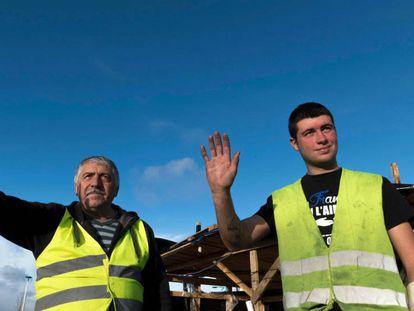 Miembros del movimiento de los chalecos amarillos en Saint Beauzire (Francia), el pasado 6 de diciembre.