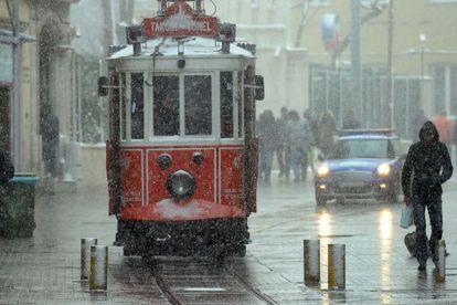 Tranvía en Estambul, Turquía.