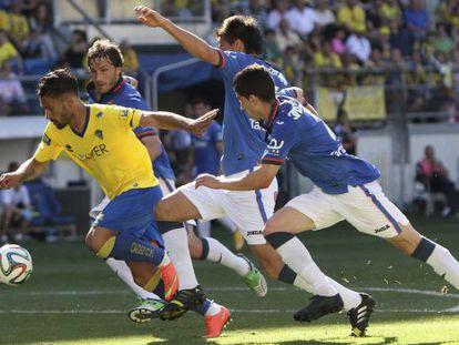 Un lance del Cádiz-Oviedo para ascender a Segunda.