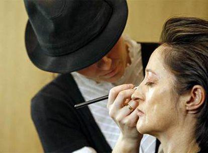 La bailarina Elisa Morris  decidió cambiar de imagen con la ayuda de un centro especializado.