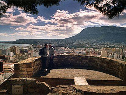 Una vista de Dénia desde el castillo.